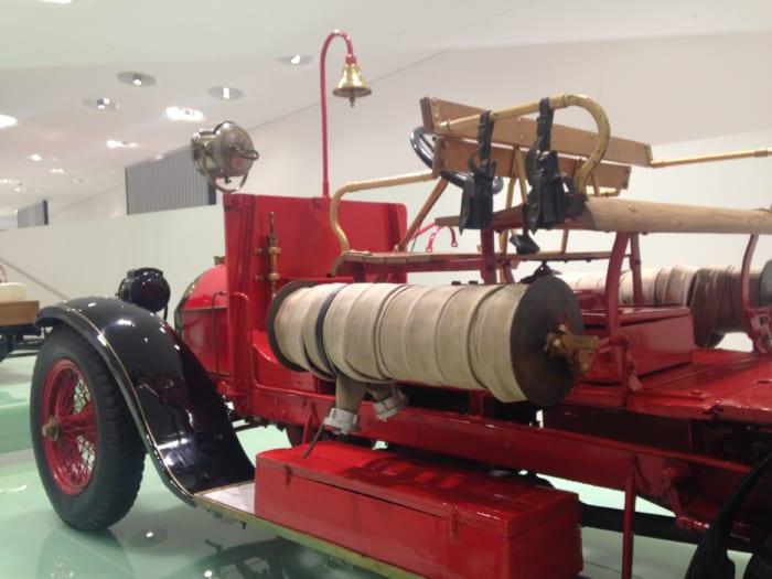 ポルシェ消防車