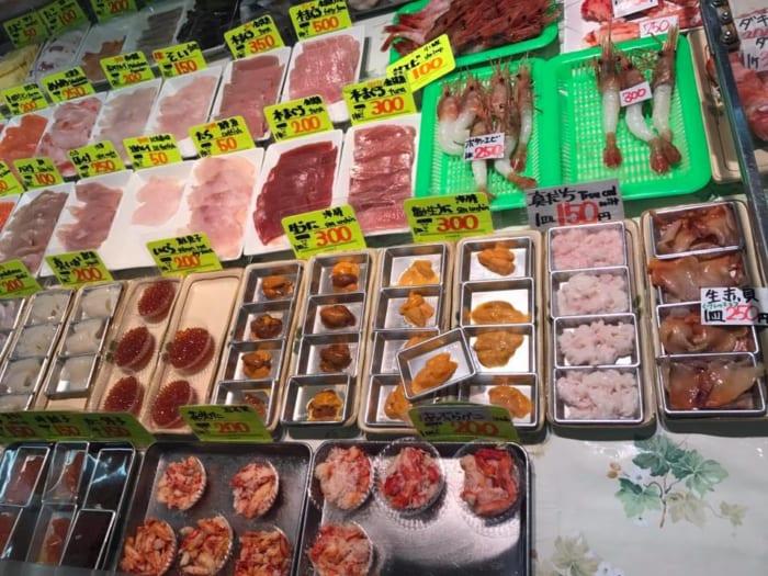 ほかほかご飯を買って市場の海鮮を載せる!和商市場の「勝手丼」にチャレンジしてきた!