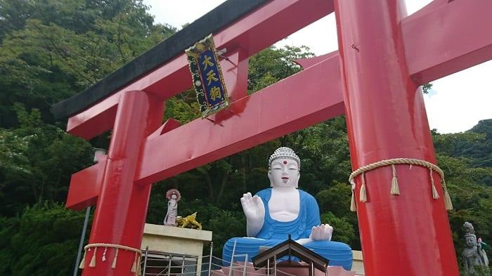 監視される?神社らしくない神社「箱根大天狗神社」を参拝してみた