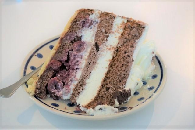 このケーキの名前は「シュヴァル...