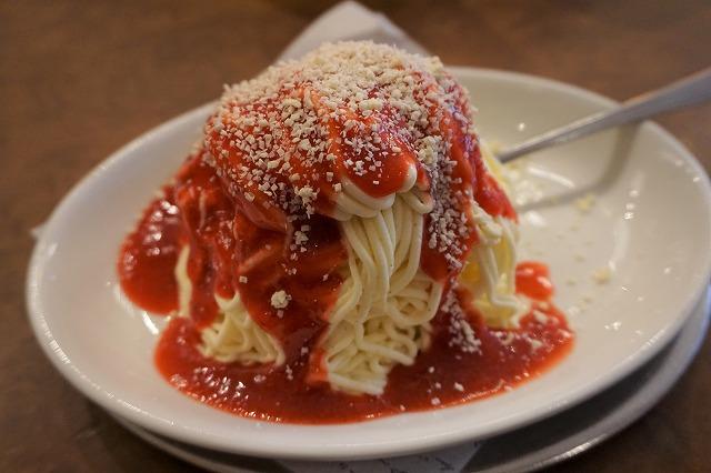 異色のコラボ「スパゲッティアイス」は美味しいのか、誕生の地で食べてみた