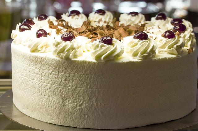 ケーキの名前は「シュヴァルツヴェルダー・キルシュトルテ」