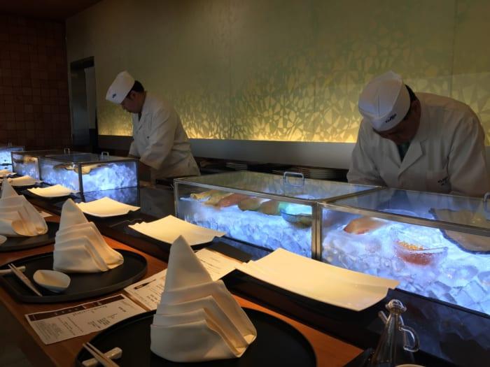 高級ホテルの高級寿司が食べ放題!「ヒルトン大阪 源氏」で心尽くしのサービスを堪能せよ!