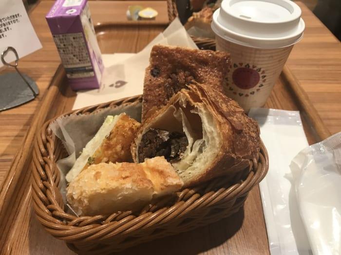 有名店の絶品パンが500円で食べ放題!「ハートブレッドアンティーク」のモーニングが最高すぎた
