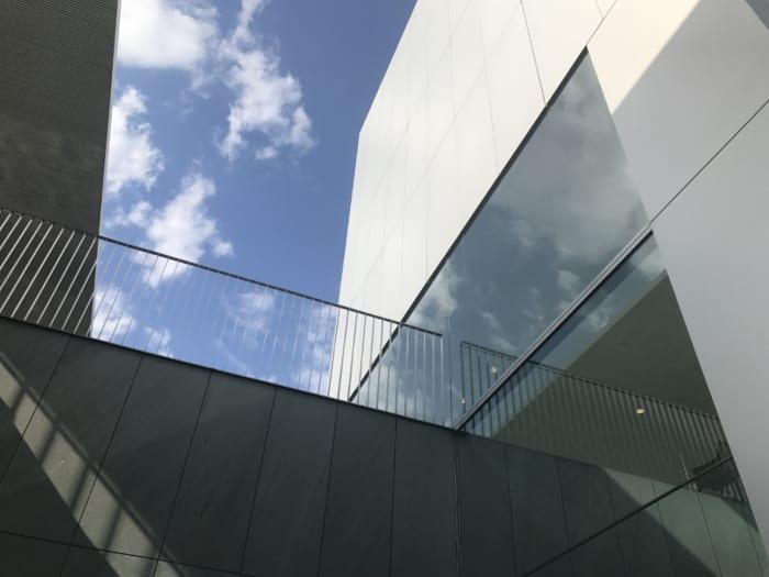 東海 美術館窓