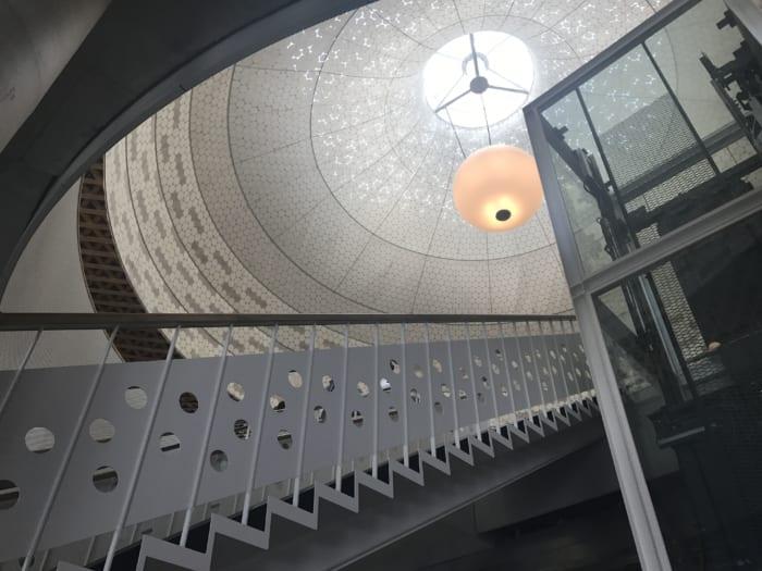 東海 図書館階段